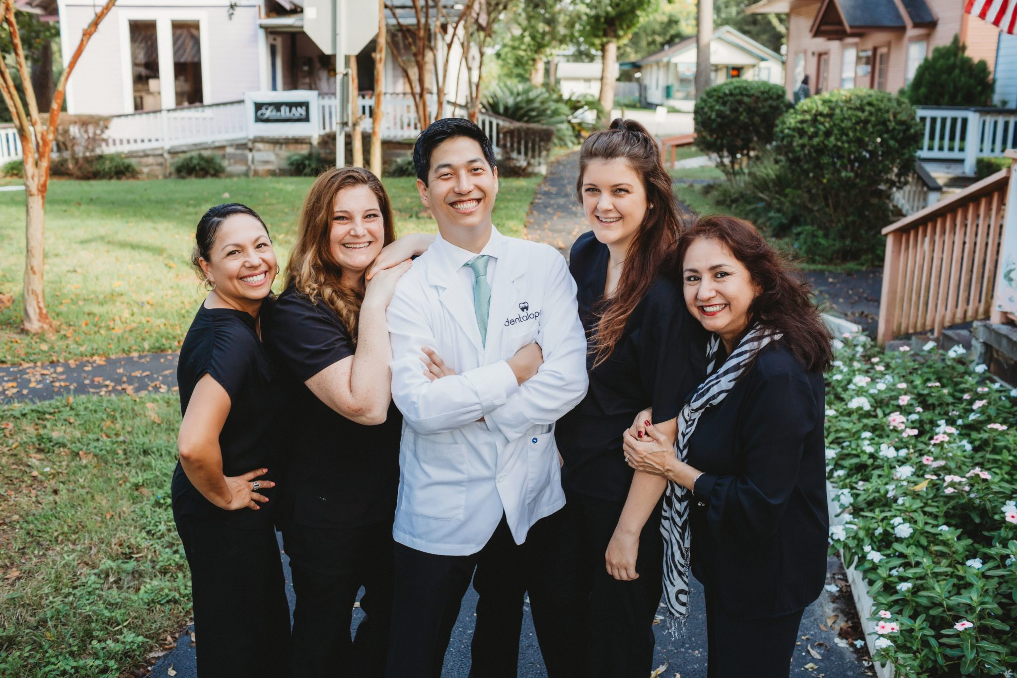 https://dentalopolis.com/wp-content/uploads/2017/03/dentalopolis-implant-team.jpg